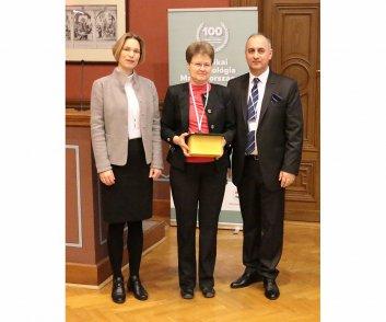 Elismerésben részesülők - Dr. hc. Barsai János - MEDICOR vasdiplomás mérnöke