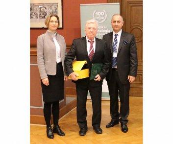 Elismerésben részesülők - Dr. Csikós János - Mediagnost Kft.  ügyvezető igazgatója