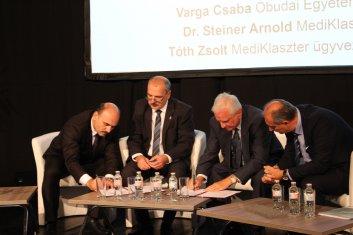 Óbudai Egyetem és MediKlaszter együttműködési megállapodás 2018.10.11